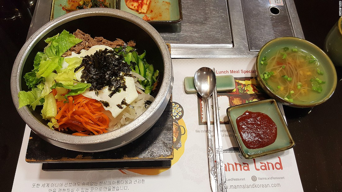 Manna Land serves authentic Korean lunch boxes like bibimbap -- a perfect place for a quick lunchtime stopover.