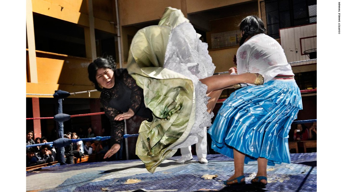 In 2010, Italian photographer Daniele Tamagni photographed the fighting cholitas, the famed troop of indigenous female wrestlers in La Paz, Bolivia.