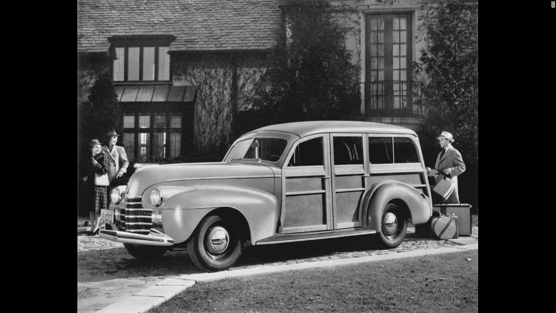 The automatic gearbox as we know it appeared in mass-market form in 1940, on this Oldsmobile.