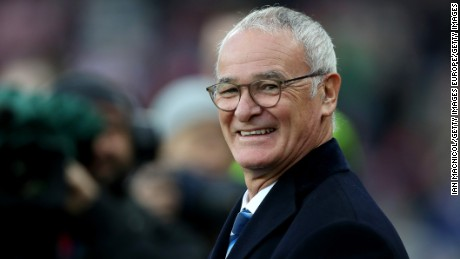 SUNDERLAND, ENGLAND - DECEMBER 03:  Claudio Ranieri manager of Leicester City looks on prior to the Premier League match between Sunderland and Leicester City at Stadium of Light on December 3, 2016 in Sunderland, England.  (Photo by Ian MacNicol/Getty Images)