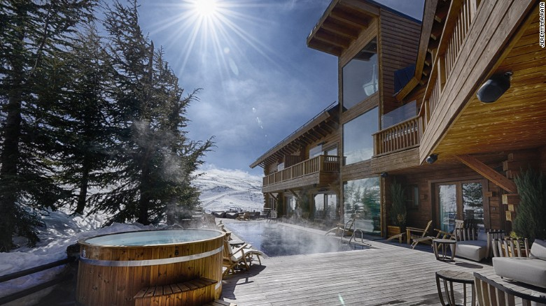 Ski in the morning and swim in the afteroon. El Lodge in Spain's Sierra Nevada is just 90 minutes from Malaga and the Costa del Sol.