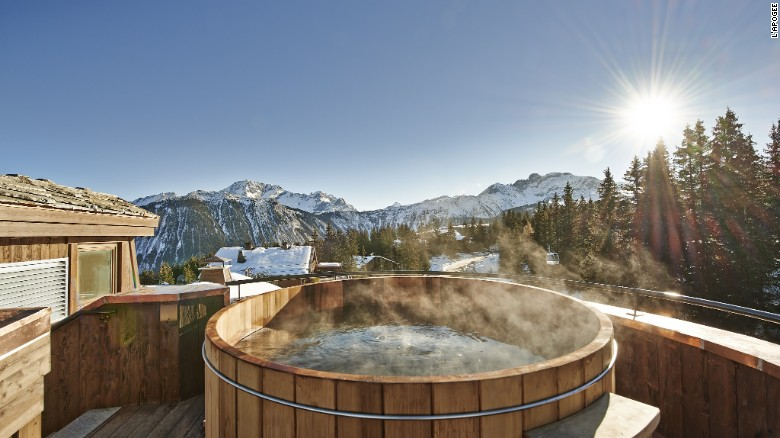L'Apogée: Hot tubs and other treats in Courchevel.