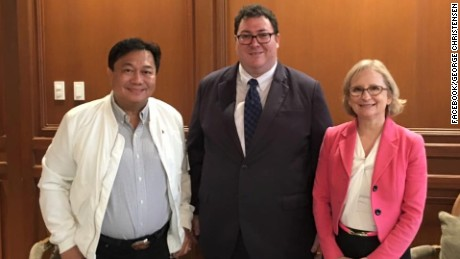 "Australia Liberal National Party politician George Christensen (C) with Australia's ambassador to the Philippines Amanda Gorely (R) and Philippines House of Representatives Speaker Pantaleon ""Bebot"" Alvarez (L)."