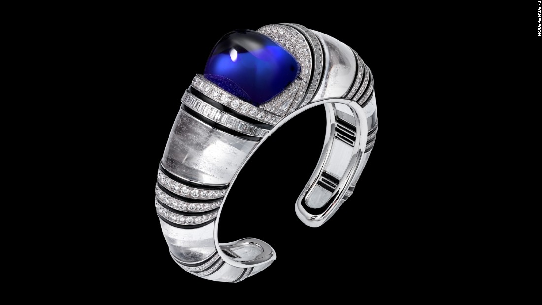 Also tanzanite has made its way into Cartier's collections, including this white gold and diamond bracelet which has a cabochon-cut tanzanite in the center.<br />
