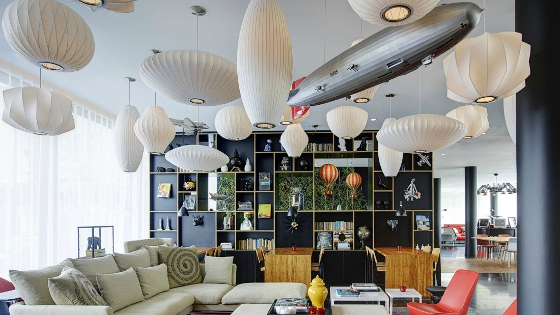 From its eclectic art collection to its well-stocked bookshelves, citizenM is maxed out on minimalism.