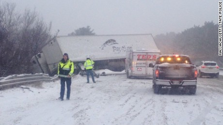Massachusetts State Police reporting several accidents on I-495.