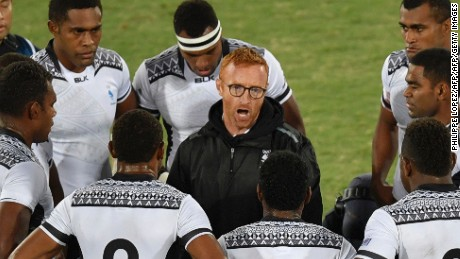 Fiji coach Ben Ryan (C) speaks to his players in the mens rugby sevens gold medal match between Fiji and Britain during the Rio 2016 Olympic Games at Deodoro Stadium in Rio de Janeiro on August 11, 2016. / AFP / PHILIPPE LOPEZ        (Photo credit should read PHILIPPE LOPEZ/AFP/Getty Images)