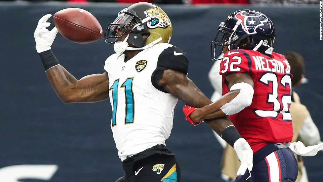 Jacksonville wide receiver Marqise Lee tries to pull in a pass during an NFL game at Houston on Sunday, December 18.