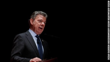 MADRID, SPAIN - DECEMBER 14:  President of Colombia Juan Manuel Santos speaks at the Premio Nueva Economia Forum 2016 ceremony at the Royal Theatre on December 14, 2016 in Madrid, Spain. During the ceremony Rajoy gave the Nueva Economia Forum Award to Juan Manuel Santos. Santos is on a visit to Spain after he received the Nobel Peace Prize Award in Oslo, Norway.  (Photo by Pablo Blazquez Dominguez/Getty Images)