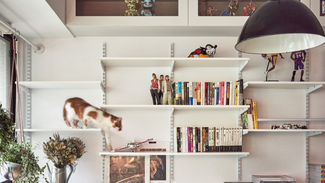 Designed by ST Design Studio, the renovation of Loft H house in Taipei revolved around the owners' two cats -- Meimei and Gege. Tsai says ledges and vertical platforms are a must in cat-friendly flats.