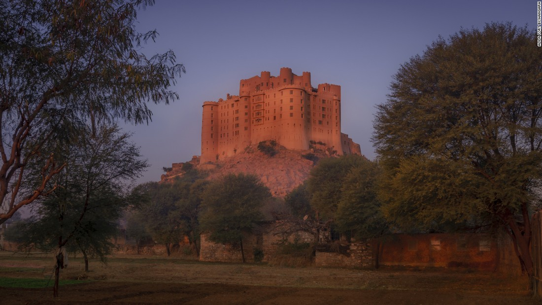 <strong>Alila Fort Bishangarh:</strong> Built atop a granite hill looking over the rural Rajasthani landscape 230 years ago, Alila Fort Bishangarh underwent seven years of restorations and features 59 suites.