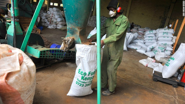 Producing fertilizer in EFK's factory in Nanyuki, Central Kenya.