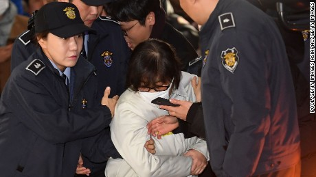Choi Soon-sil arrives Saturday in Seoul for questioning on her suspected role in the political scandal.