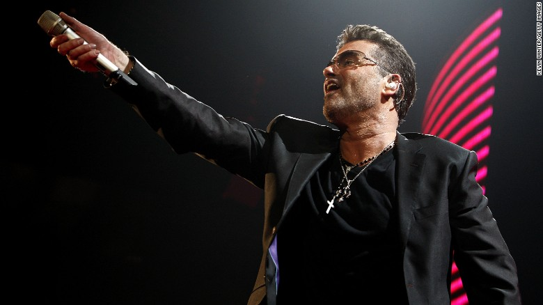 SAN DIEGO - JUNE 17:  Singer George Michael performs at the Sports Arena on June 17, 2008 in San Diego, California.  (Photo by Kevin Winter/Getty Images)