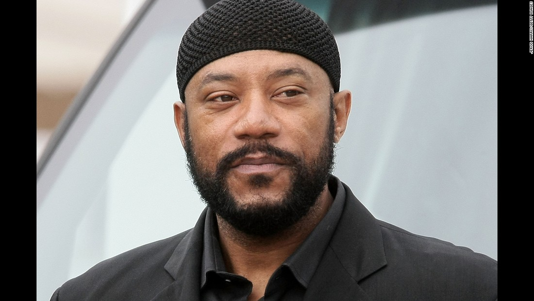 "Actor and comedian <a href=""http://www.cnn.com/2016/12/27/entertainment/ricky-harris-death-trnd/index.html"" target=""_blank"">Ricky Harris</a>, who was a regular on the TV sitcom ""Everybody Hates Chris"" and first gained attention on HBO's ""Def Comedy Jam,"" died December 26, according to his publicist. He was 54."