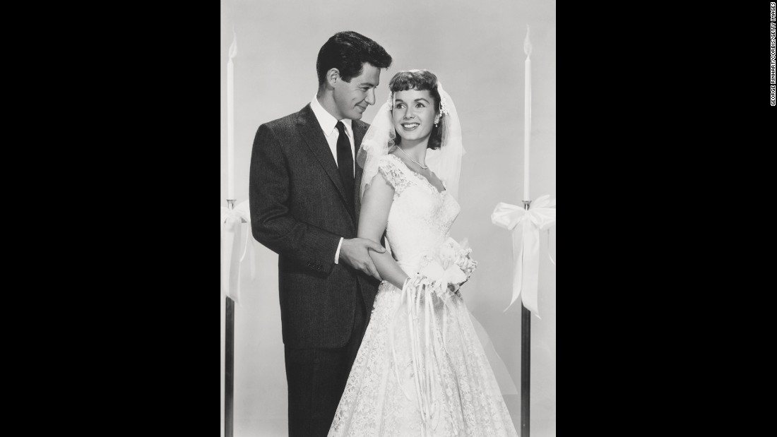 Debbie Reynolds and Eddie Fisher were married in 1955 and divorced in 1959.  The couple had two children: Carrie, born in 1956, and Todd, born in 1958.