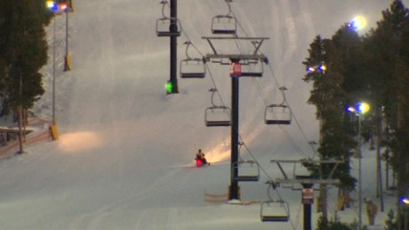 woman dead two injured colorado chairlift_00000000