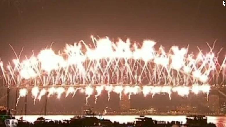 new year's celebrations around world nr paul savidge_00005803