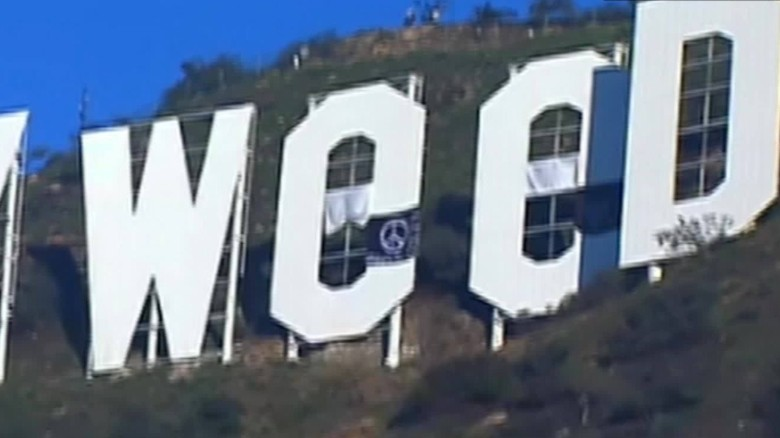 hollywood sign prank hollyweed_00004222