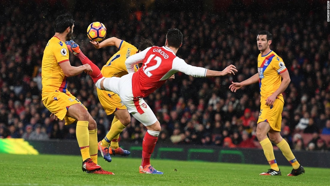 French striker Olivier Giroud scored one of the goals of the English Premier League season on New Year's Day.