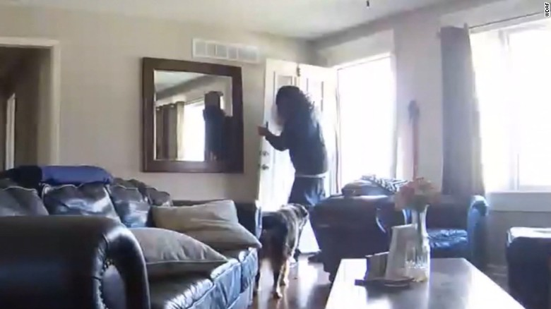 Couple watches as their house gets robbed