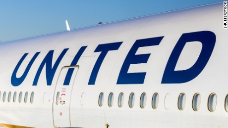 United Airlines overbooking fiasco should never have happened