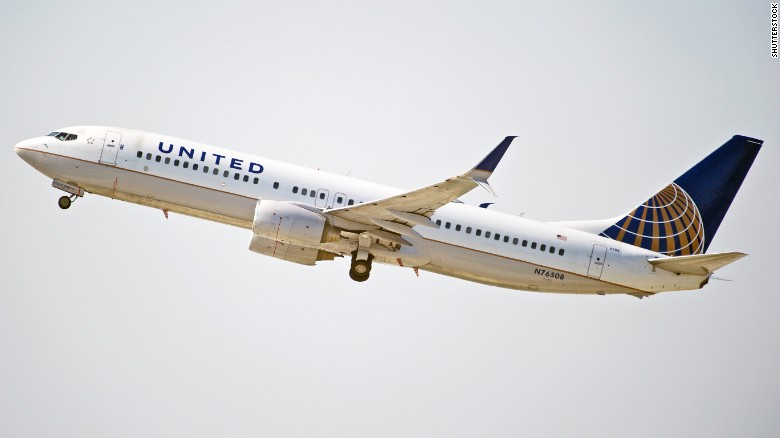 United Airlines: Customers 'welcome' to wear leggings