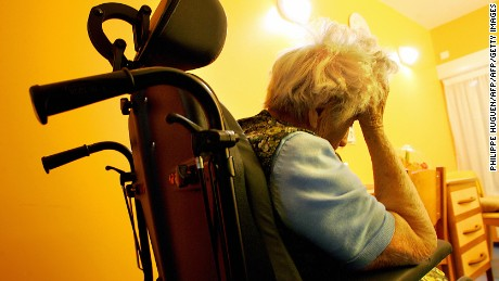 "Beauvais, FRANCE:  TO GO WITH AFP STORY ""HEALTH-DISEASE-ALZHEIMER"" (FILES) A patient rests in her room 19 January 2005 at the Heliades hospital, a center in Beauvais treating patients suffering from Alzheimer disease. AFP PHOTO PHILIPPE HUGEN   (Photo credit should read PHILIPPE HUGUEN/AFP/Getty Images)"