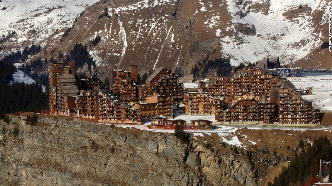 Vuarnet was also instrumental in the building of Avoriaz in 1964, a skiing village located at the heart of the French Alps.