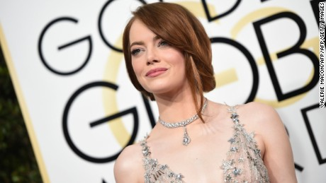 Actress Emma Stone arrives at the 74th annual Golden Globe Awards, January 8, 2017, at the Beverly Hilton Hotel in Beverly Hills, California.  / AFP / VALERIE MACON        (Photo credit should read VALERIE MACON/AFP/Getty Images)