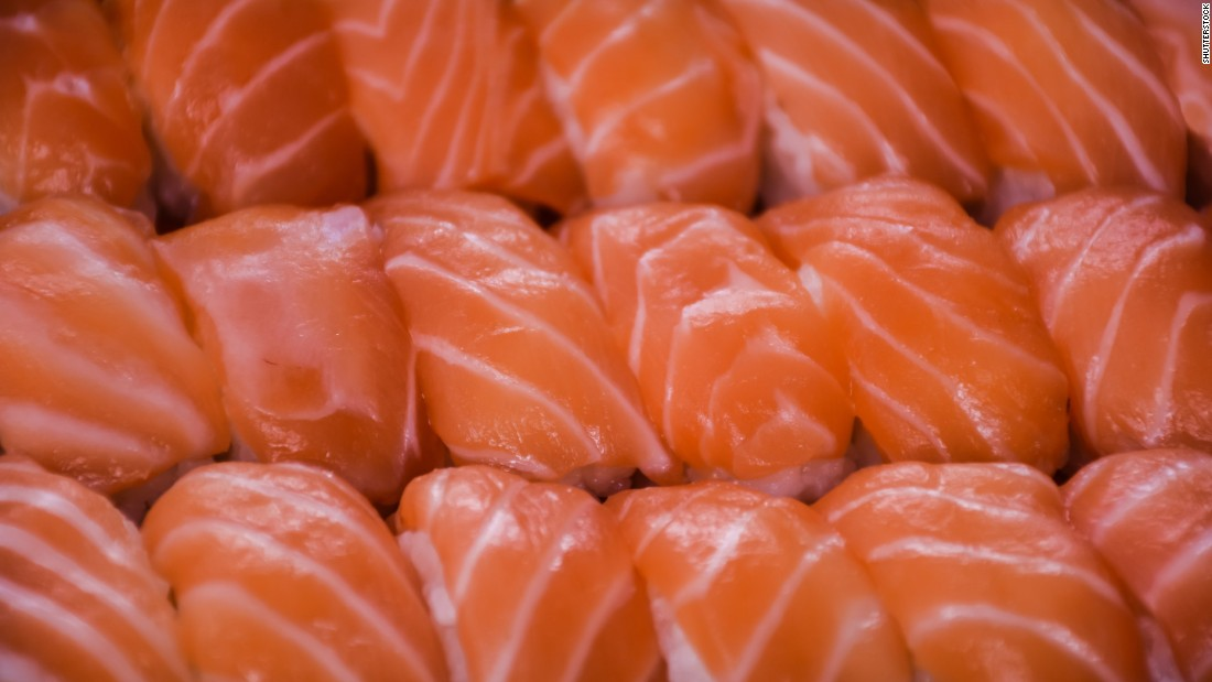 how to cut fish for sushi
