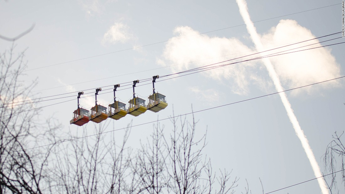 <strong>Cable car: </strong>The only way up is via a 40-year-old cable car which takes 40 minutes to chug up from the rugged village at 1,480 meters to a high point of 3,200 meters. The lease for the lift is up, hence La Grave's uncertain future.