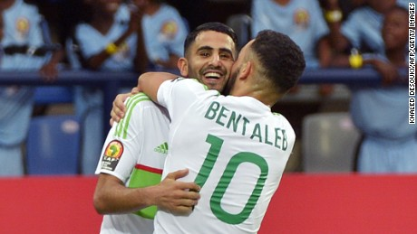Algeria's Riyad Mahrez scored twice to salvage a 2-2 draw for his side against Zimbabwe in a Group B opener at the Africa Cup of Nations.