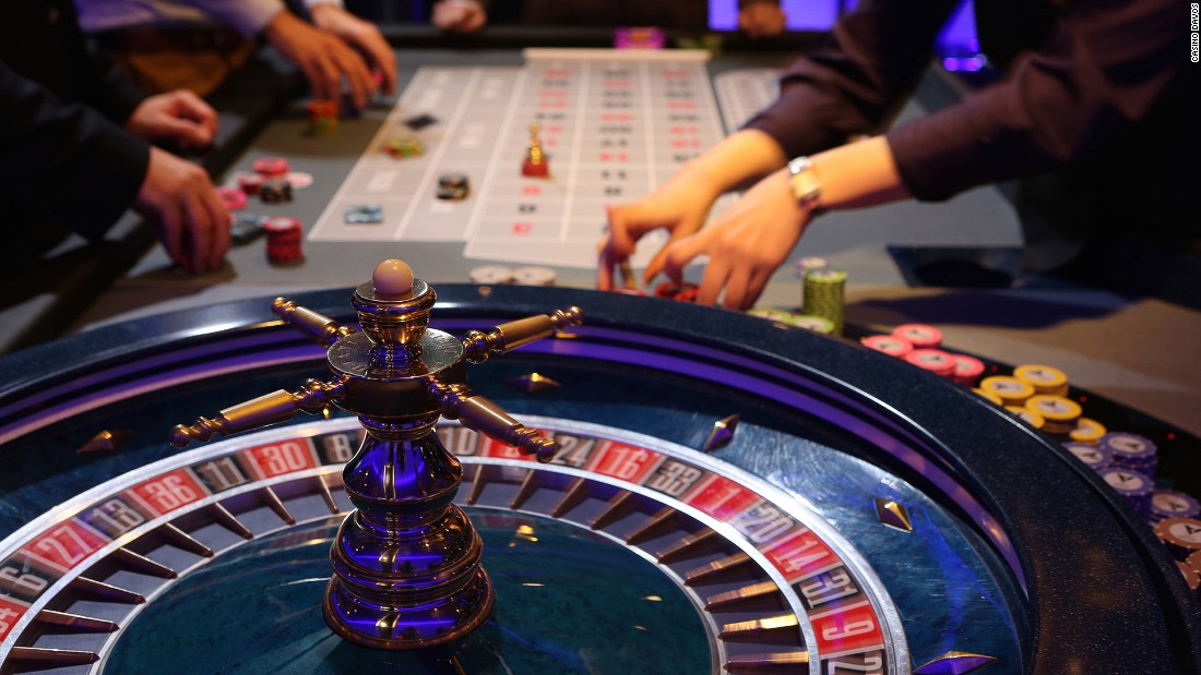<strong>Bet with the billionaires at Casino Davos: </strong>Casino Davos is one of only two mountain casinos in Switzerland. It's one of the best places to socialize in Davos and rub shoulders with the super-rich.