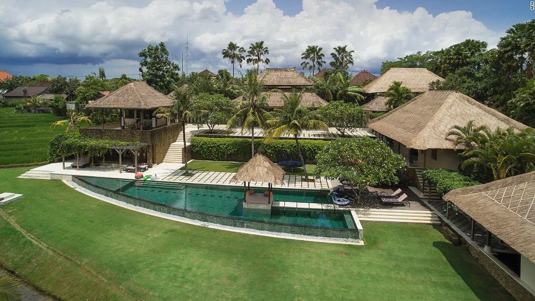 <strong>Puri Bawana, Bali: </strong> Poised on two private acres of working rice terraces in family-friendly Canggu,  Puri Bawana overlooks a quintessentially Balinese landscape.