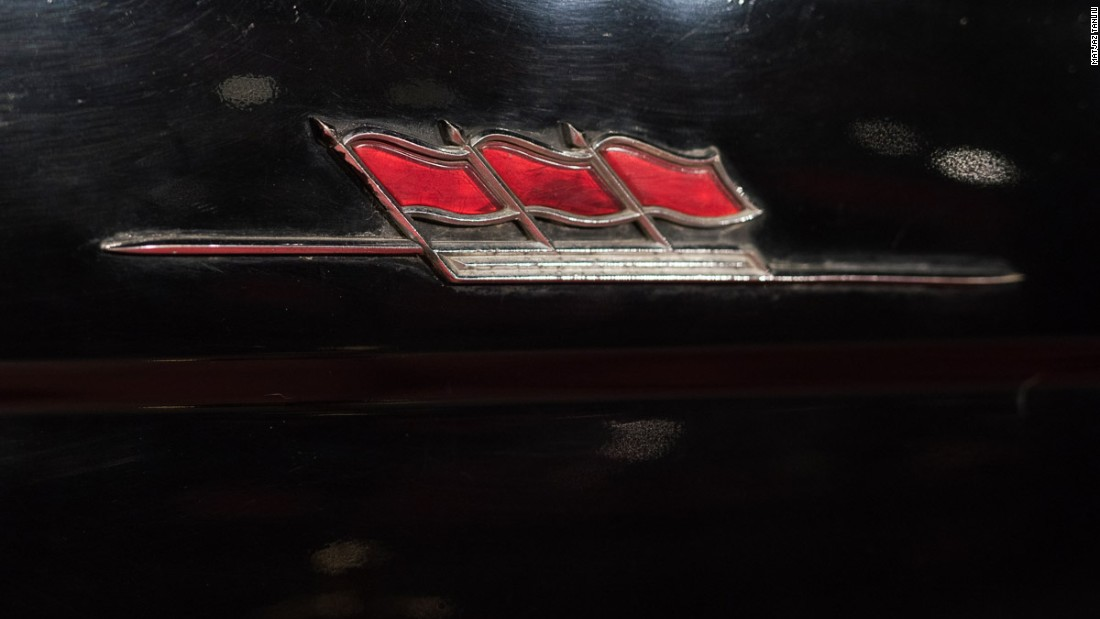 Detail on a 1960 Hongqi car manufactured by First Car Works, China's first state-owned automobile manufacturer.