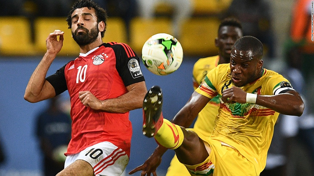 Mohamed Salah (L), nicknamed the 'Egyptian Messi', was unable to force a way through a solid Mali defense as the game finished 0-0.