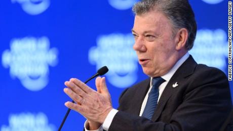 cnnee sot juan manuel santos foro economico paz colombia eln_00000000