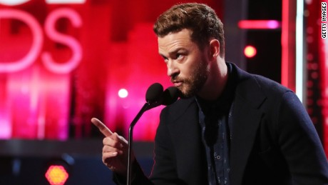 LOS ANGELES, CA - JANUARY 18:  Recording artist/actor Justin Timberlake accepts Favorite Male Singer and Favorite Song for 'Can't Stop the Feeling!' onstage during the People's Choice Awards 2017 at Microsoft Theater on January 18, 2017 in Los Angeles, California.  (Photo by Christopher Polk/Getty Images for People's Choice Awards)