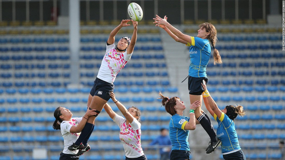 """That means the jumpers have to have good power off the floor and good standing jump availability up into the air. The hookers have to very much work on the accuracy of their throw in as well."" Pictured is a lineout in an Asian zone Olympic qualification match between Japan and Kazakhstan in 2015."