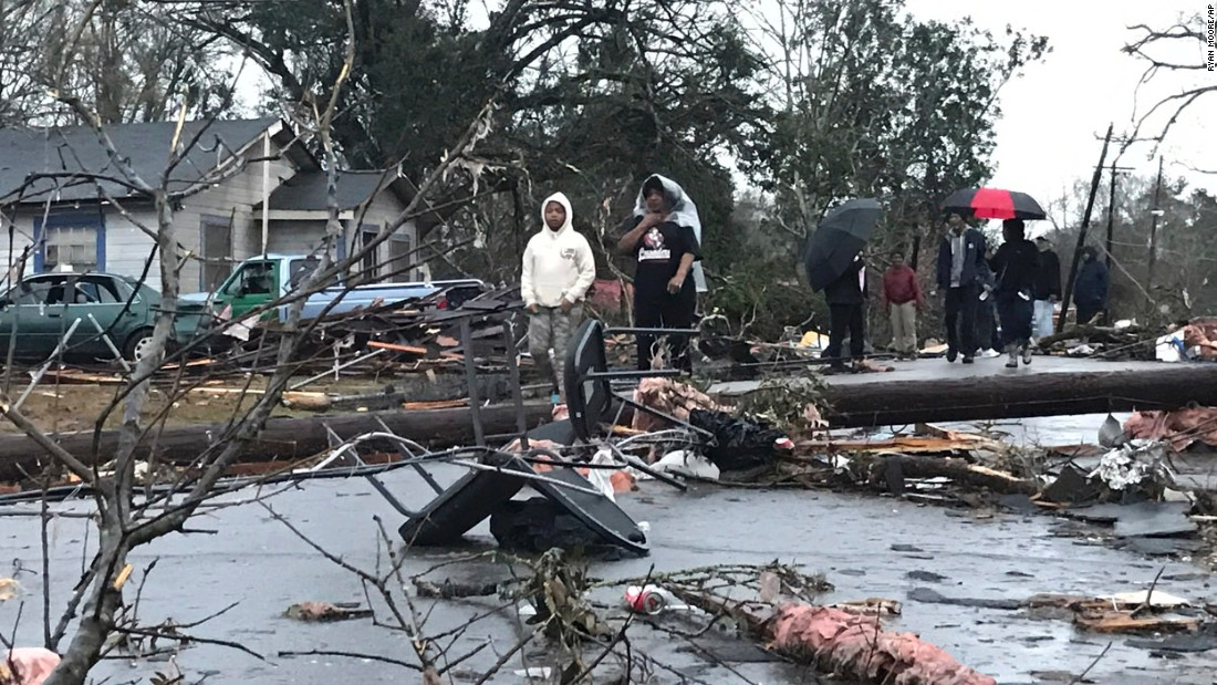 Mississippi storm: At least 4 dead; damage reported in Hattiesburg area
