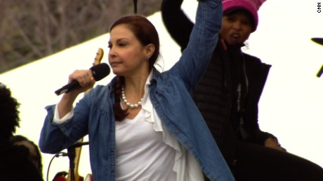 Ashley Judd gives an impassioned speech at the Women's March on Washington