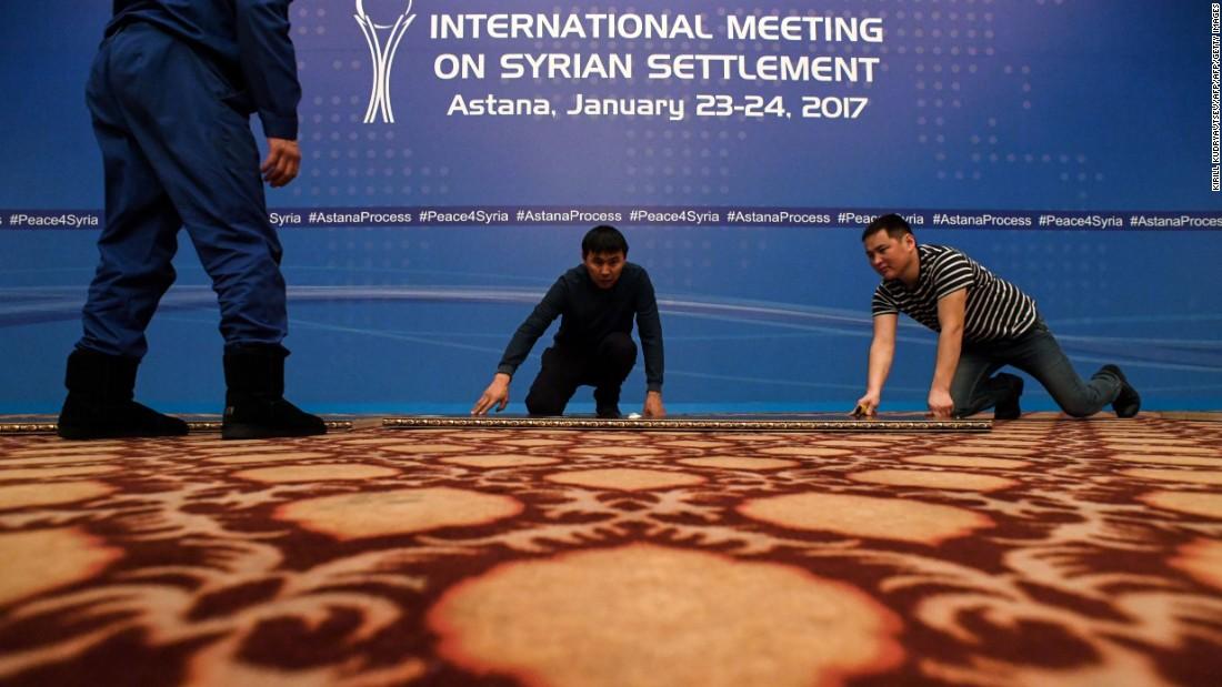 Syria: Envoys gather for peace talks