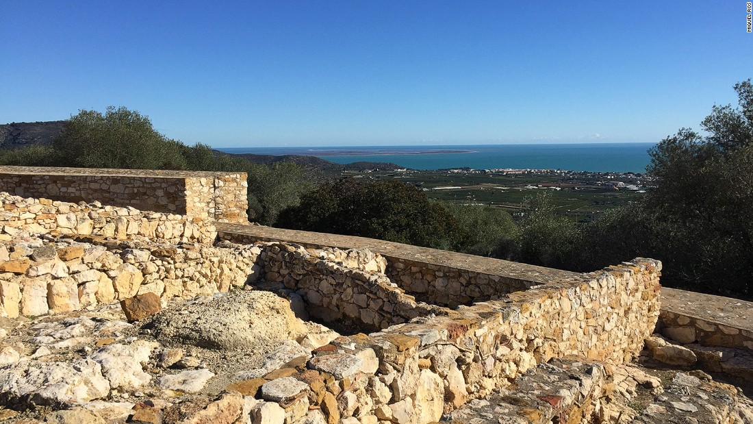 <strong>Moleta del Remai:</strong>  The Ebro Delta and the Catalonian coastline can be seen from the clifftop ruins of the Iberian settlement of Moleta del Remei.