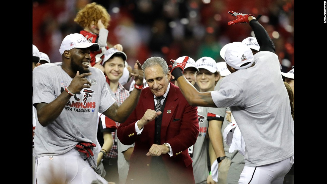 "Arthur Blank, the owner of the Atlanta Falcons, dances with players after they <a href=""http://www.cnn.com/2017/01/22/us/nfl-playoffs-nfc-and-afc-championship-games/index.html"" target=""_blank"">clinched a spot in the Super Bowl</a> on Sunday, January 22. The Falcons crushed Green Bay 44-21 in the NFC Championship."