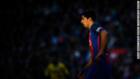 BARCELONA, SPAIN - JANUARY 14:  Luis Suarez of FC Barcelona looks on during the La Liga match between FC Barcelona and UD Las Palmas at Camp Nou stadium on January 14, 2017 in Barcelona, Spain.  (Photo by David Ramos/Getty Images)