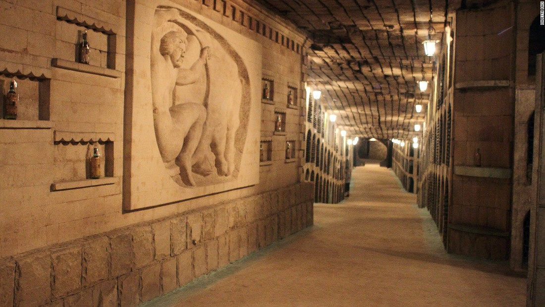 In 2005, Guinness World Records named Milestii Mici the largest wine collection in the world, with over 2 million bottles. The cellar's tunnels stretch across 120 miles, although only 34 tunnels are currently in use.