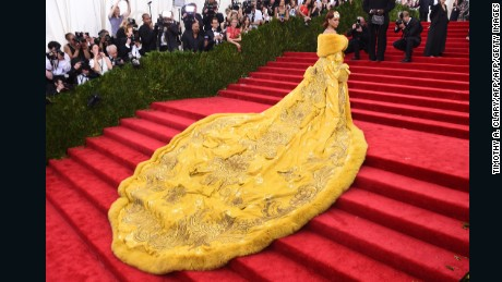 Rihanna arrives at the 2015 Metropolitan Museum of Art's Costume Institute Gala