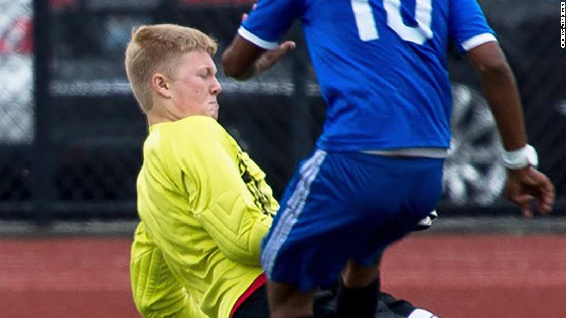 Soccer players' cancers ignite debate over turf safety