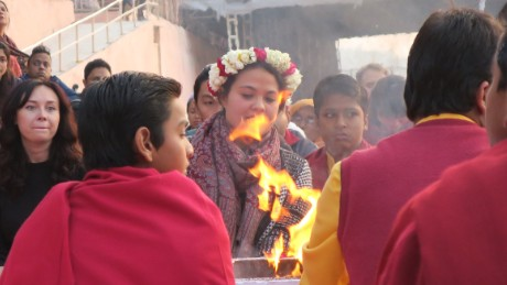 A traditional Ganges aarti ceremony at Parmarth Niketan ashram